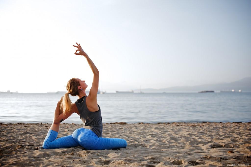 Amber_Yoga 5Q0A7201